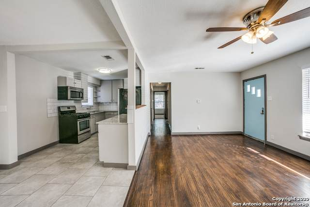 403 Dawnview Ln, San Antonio, TX 78213 (MLS #1498132) :: Alexis Weigand Real Estate Group