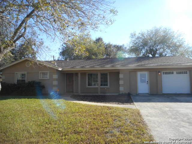 1131 Kathleen St, Pleasanton, TX 78064 (MLS #1498173) :: Carolina Garcia Real Estate Group