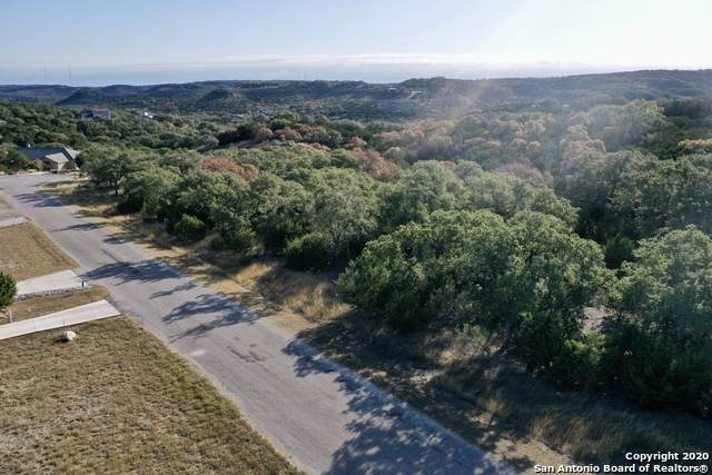 740 Panorama Pt, Canyon Lake, TX 78133 (MLS #1498696) :: BHGRE HomeCity San Antonio
