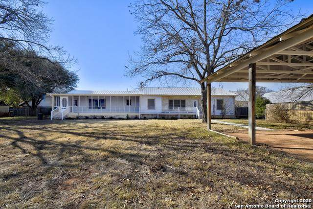604 S Creek St, Fredericksburg, TX 78624 (MLS #1498936) :: Santos and Sandberg