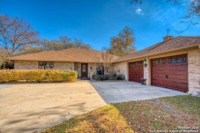 207 Coronado Dr, Kerrville, TX 78028 (MLS #1499245) :: The Glover Homes & Land Group