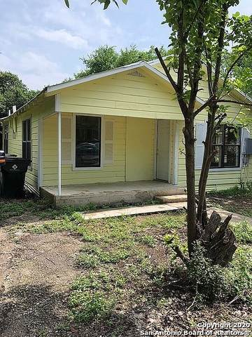 421 Avenue C, Seguin, TX 78155 (MLS #1499465) :: The Gradiz Group