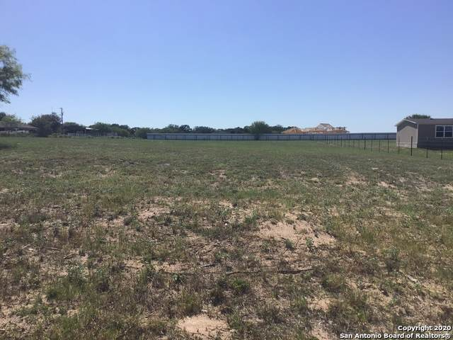 178 County Road 324, Adkins, TX 78101 (MLS #1499828) :: Carter Fine Homes - Keller Williams Heritage
