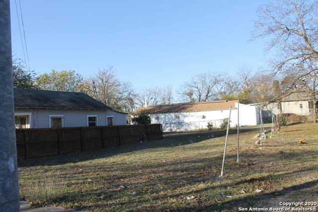 409 N Monumental, San Antonio, TX 78202 (MLS #1500042) :: Tom White Group