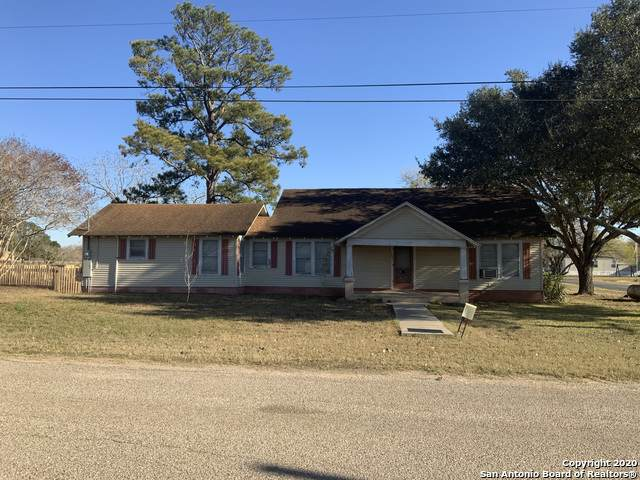 401 N Anglin, Smiley, TX 78159 (MLS #1500245) :: The Mullen Group | RE/MAX Access