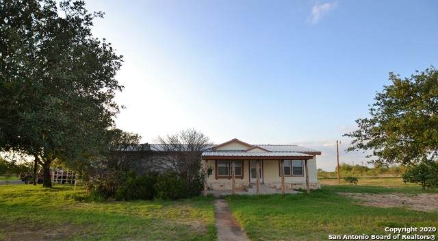 1067 Fm 1918, Crystal City, TX 78839 (MLS #1500604) :: The Castillo Group