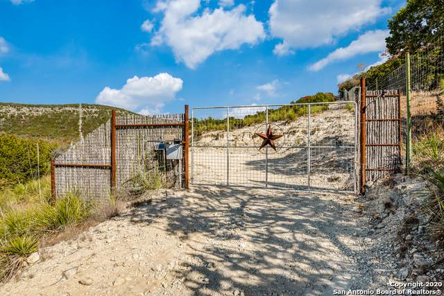 3388 Thomas Creek Rd, Tarpley, TX 78883 (MLS #1501294) :: Tom White Group