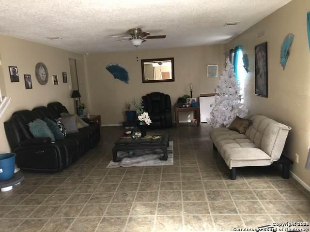 7434 Myrtle Trail, Converse, TX 78109 (MLS #1501958) :: Santos and Sandberg