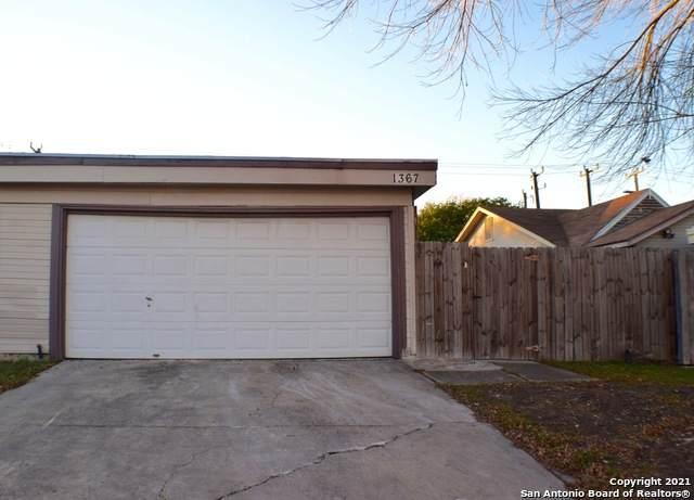 1367 Bayou Dr, San Antonio, TX 78245 (MLS #1501960) :: Real Estate by Design