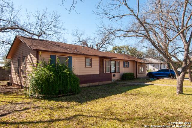 1903 22nd St, Hondo, TX 78861 (MLS #1502113) :: The Lugo Group