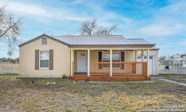 10041 E Us Highway 90, Kingsbury, TX 78638 (MLS #1502160) :: Carter Fine Homes - Keller Williams Heritage