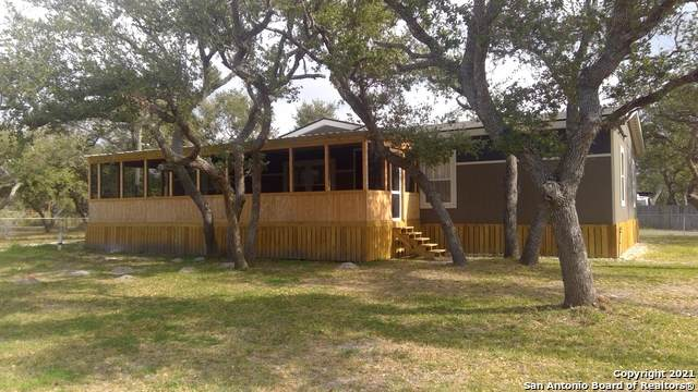 1511 Monkey Rd, Rockport, TX 78382 (MLS #1502194) :: BHGRE HomeCity San Antonio