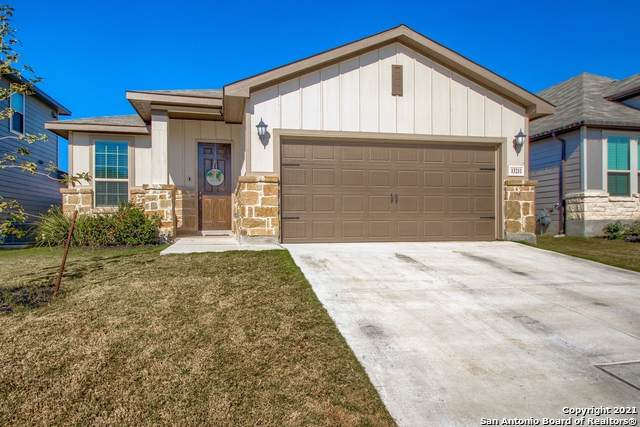 13211 Antelope Run, St Hedwig, TX 78152 (MLS #1502263) :: The Mullen Group | RE/MAX Access