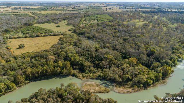290 Frels Rd, Yoakum, TX 77995 (MLS #1502420) :: Alexis Weigand Real Estate Group