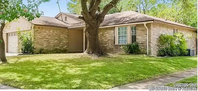 8131 Forest Dawn, Live Oak, TX 78233 (MLS #1502497) :: Real Estate by Design