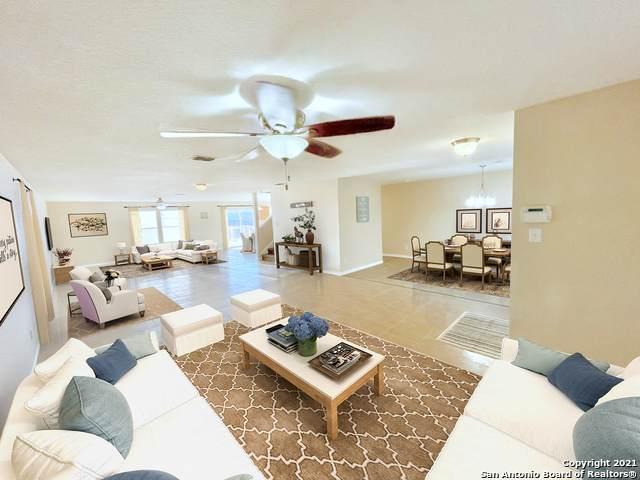 513 Gatewood Briar, Cibolo, TX 78108 (MLS #1502795) :: Real Estate by Design