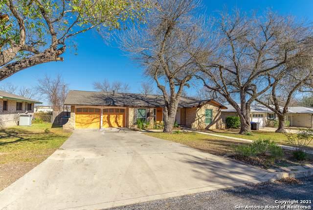 10906 Mount Ida, San Antonio, TX 78213 (MLS #1503001) :: Real Estate by Design
