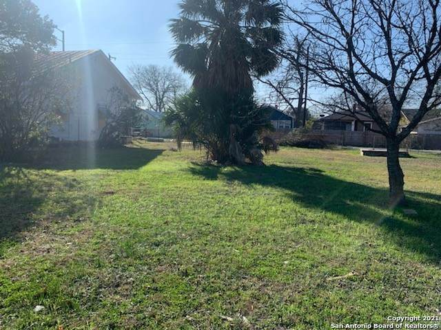 327 Blaine, San Antonio, TX 78202 (MLS #1503021) :: The Castillo Group