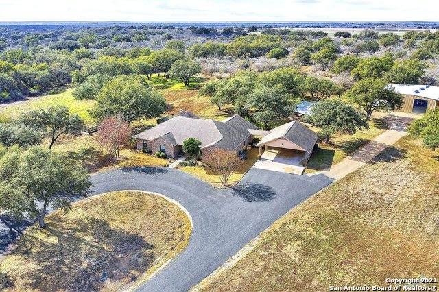 425 Cr 4314, Hondo, TX 78861 (MLS #1503101) :: JP & Associates Realtors