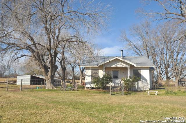 2029 County Road 5715, Natalia, TX 78059 (MLS #1503149) :: BHGRE HomeCity San Antonio