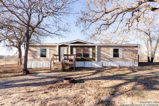 780 Terrace Hill Ln, Floresville, TX 78114 (MLS #1503287) :: Carolina Garcia Real Estate Group