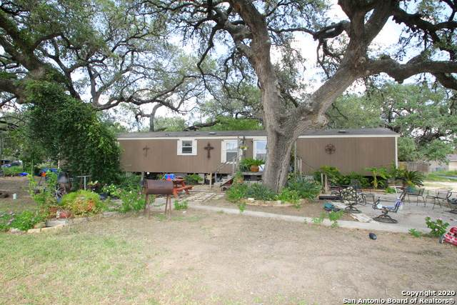827 Crockett St, Pleasanton, TX 78064 (MLS #1503296) :: The Glover Homes & Land Group