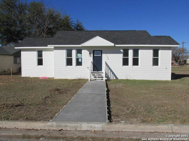 2108 20th St, Hondo, TX 78861 (MLS #1503626) :: Carolina Garcia Real Estate Group