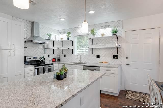 1271 Green Hill Dr, Canyon Lake, TX 78133 (MLS #1503887) :: BHGRE HomeCity San Antonio
