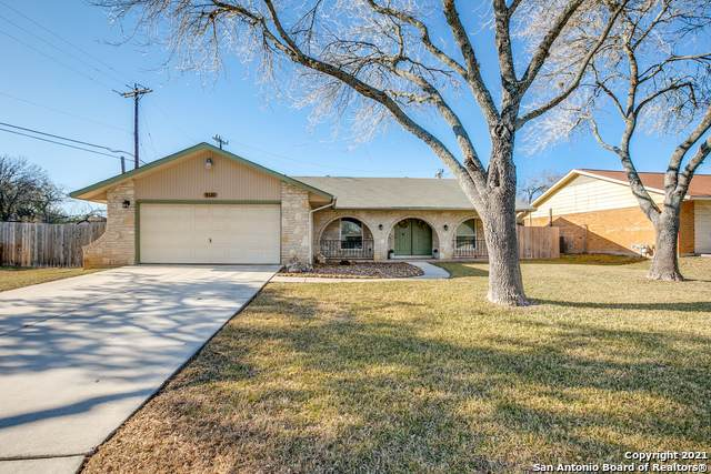 8131 Kyle Rote St, San Antonio, TX 78240 (MLS #1504063) :: Alexis Weigand Real Estate Group