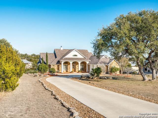 327 Charon Pt, Spring Branch, TX 78070 (MLS #1504076) :: The Rise Property Group