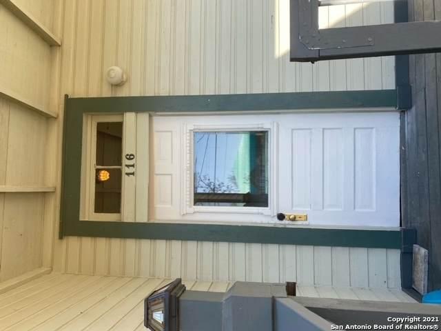 116 W Krezdorn St, Seguin, TX 78155 (MLS #1504118) :: Carolina Garcia Real Estate Group
