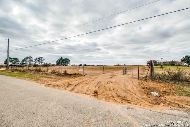 13157 Adkins Saint Hedwig Rd, St Hedwig, TX 78152 (MLS #1504172) :: Neal & Neal Team