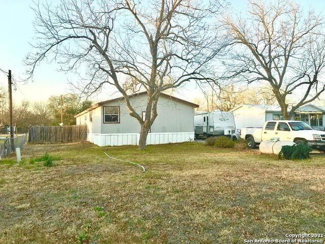 294 Leisure Village Dr, New Braunfels, TX 78130 (MLS #1504195) :: Exquisite Properties, LLC