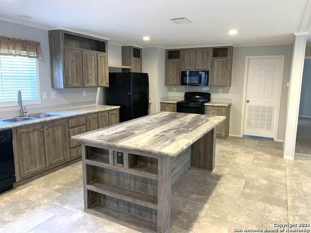 536 Pr 1510, Bandera, TX 78003 (MLS #1504206) :: Real Estate by Design