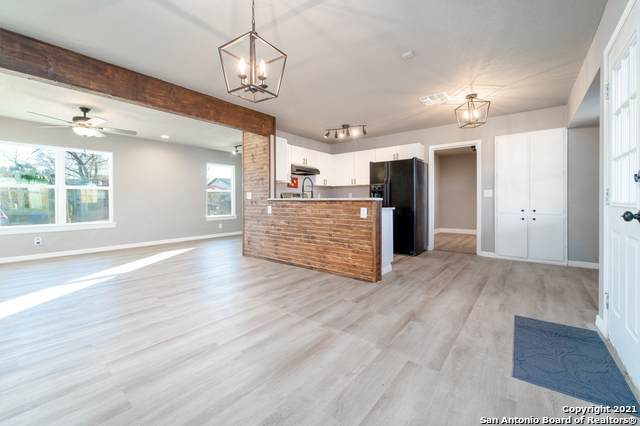 9119 Five Forks St, San Antonio, TX 78245 (MLS #1504237) :: The Mullen Group | RE/MAX Access