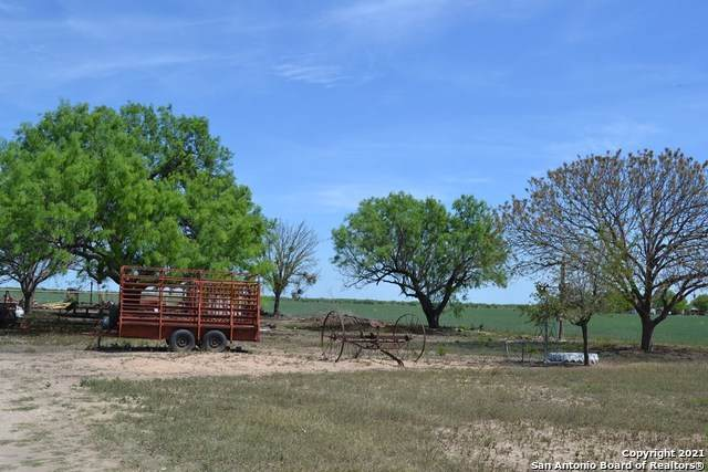 2678 Fm 1436, La Pryor, TX 78872 (MLS #1504477) :: The Lugo Group