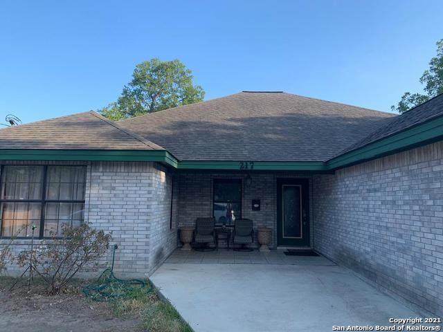217 Cummings St, Uvalde, TX 78801 (MLS #1504484) :: Santos and Sandberg