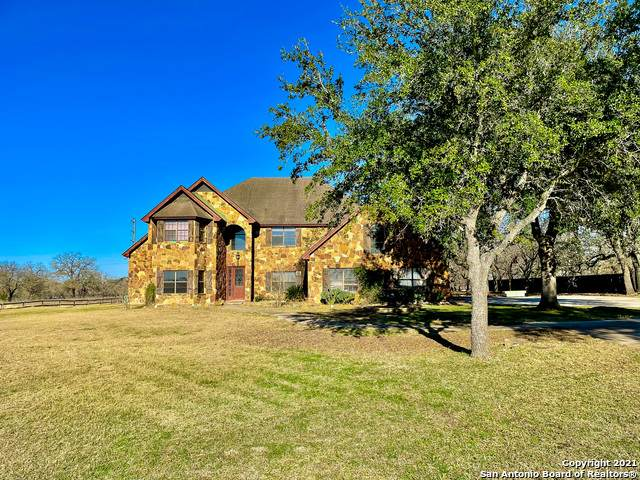 1774 Us Highway 181 N, Floresville, TX 78114 (MLS #1504547) :: Berkshire Hathaway HomeServices Don Johnson, REALTORS®