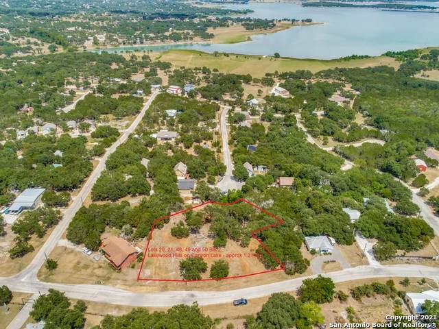 1561 Hedgestone, Canyon Lake, TX 78133 (#1504888) :: The Perry Henderson Group at Berkshire Hathaway Texas Realty
