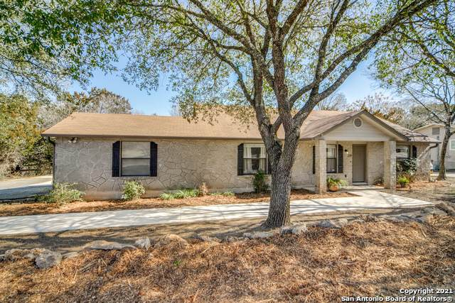 219 Doeskin Dr, Boerne, TX 78006 (#1504922) :: The Perry Henderson Group at Berkshire Hathaway Texas Realty