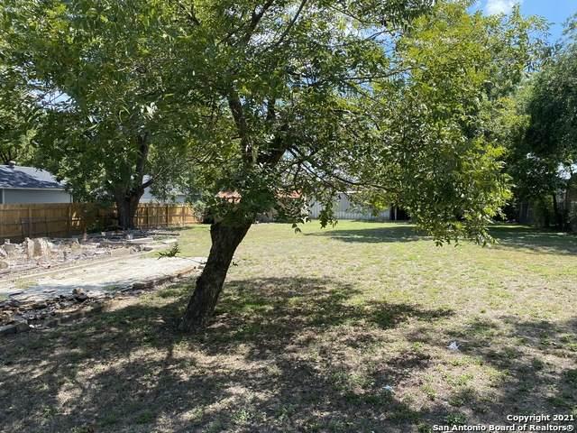 138 King Roger St, San Antonio, TX 78204 (MLS #1505040) :: 2Halls Property Team | Berkshire Hathaway HomeServices PenFed Realty