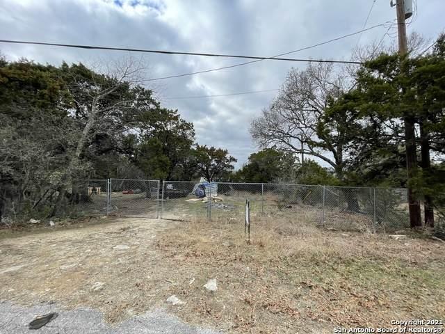 711 La Cresta Dr, Canyon Lake, TX 78133 (#1505061) :: The Perry Henderson Group at Berkshire Hathaway Texas Realty