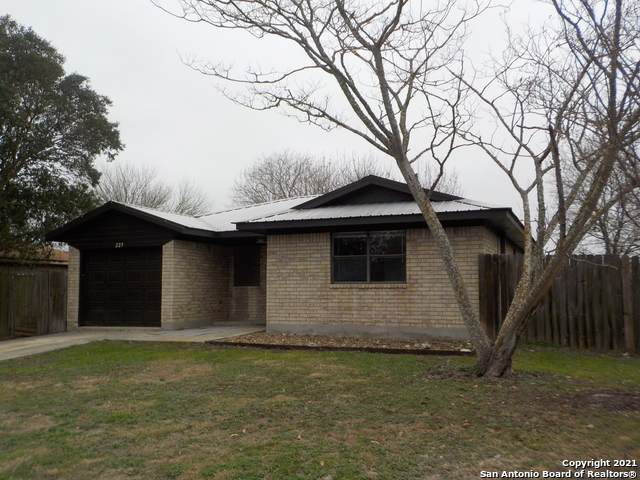 225 Meadow Dr, Marion, TX 78124 (MLS #1505065) :: Real Estate by Design