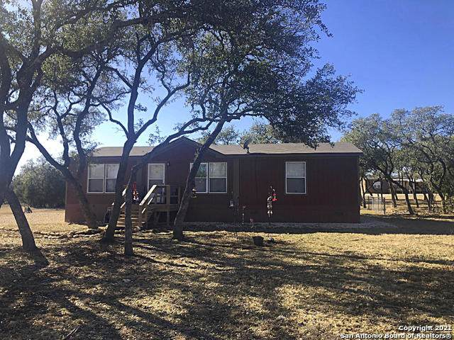 624 Private Road 1511, Bandera, TX 78003 (MLS #1505117) :: The Gradiz Group