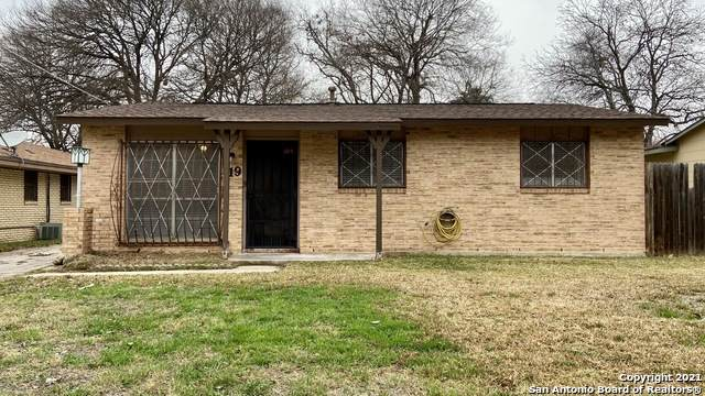 719 Lincolnshire Dr, San Antonio, TX 78220 (MLS #1505269) :: The Gradiz Group