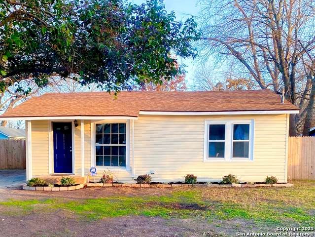 976 Pine St, New Braunfels, TX 78130 (MLS #1505383) :: Keller Williams Heritage