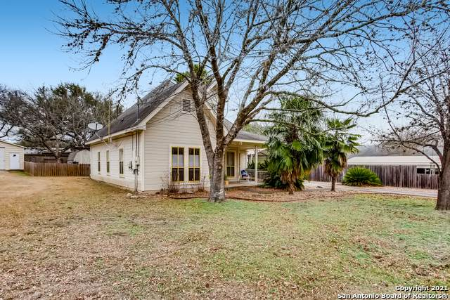 410 E Bandera Rd, Boerne, TX 78006 (MLS #1505550) :: The Mullen Group | RE/MAX Access