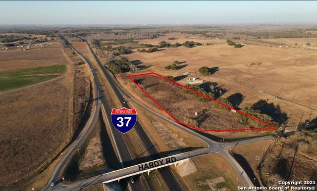7.7 ACRES S Ih 37, Elmendorf, TX 78112 (MLS #1505668) :: 2Halls Property Team | Berkshire Hathaway HomeServices PenFed Realty