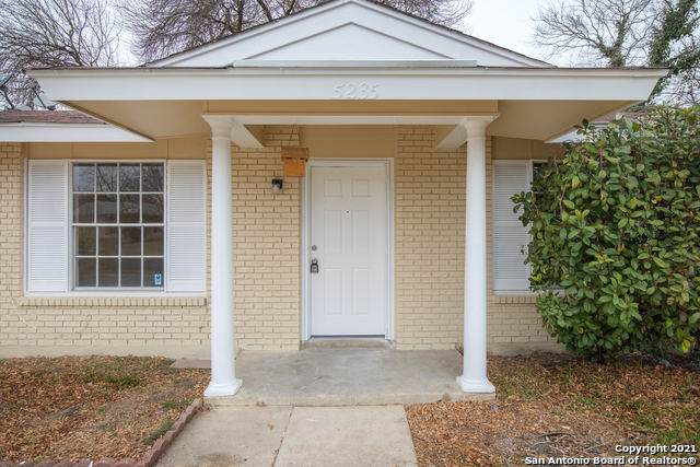 5235 Village Row, San Antonio, TX 78218 (MLS #1505745) :: Neal & Neal Team