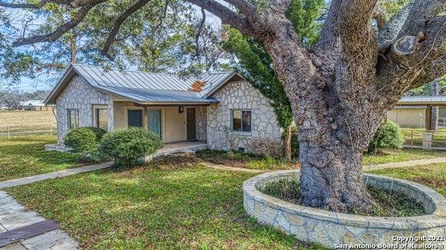 2828 2nd St, Pleasanton, TX 78064 (MLS #1505808) :: The Rise Property Group